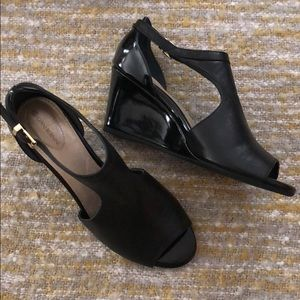 NIB Giani Bernini black wedge sandals, size 8